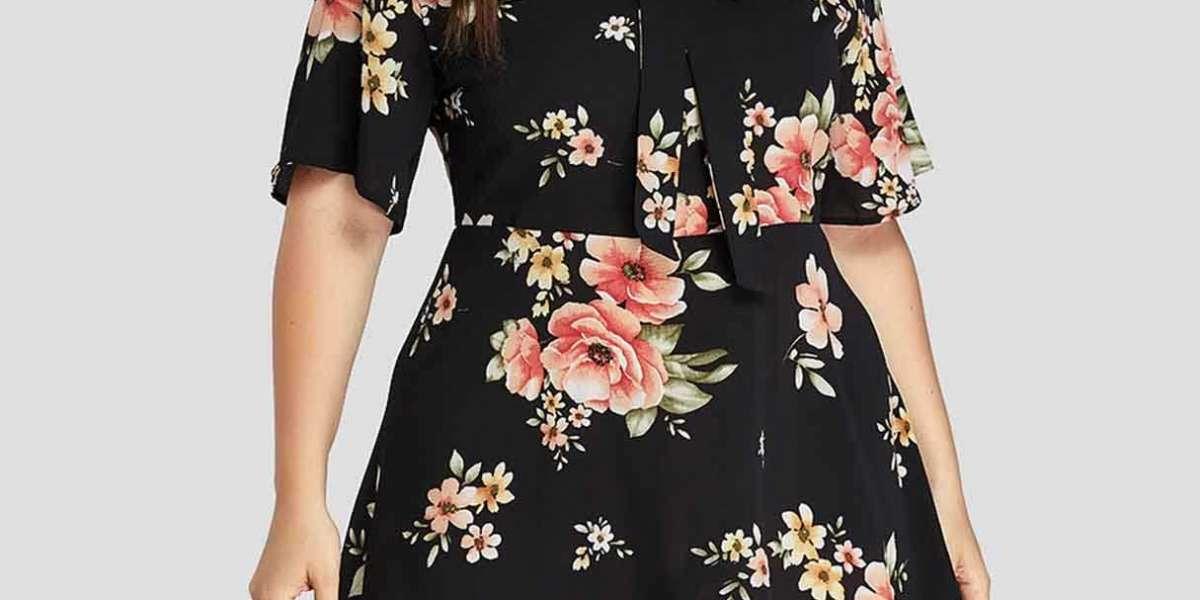 V-Neck Floral Print Half Sleeve Curved Hem Black Plus Size Tops
